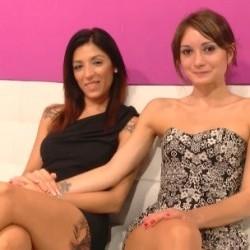 Convencer a una pareja de lesbianas para probar una polla: clases de gimnasia con Alex